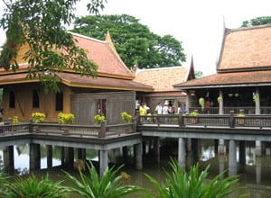 Chao Sam Phraya National Museum