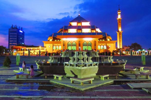 Mesjid Agung Kota Batam Masjid Mosque Halal Trip