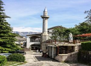 Bazaar Mosque (Memi Bey Mosque)