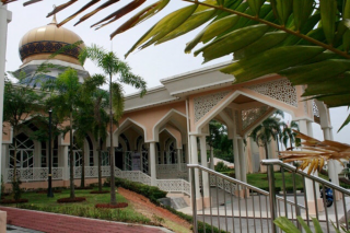 Bukit Antarabangsa Mosque