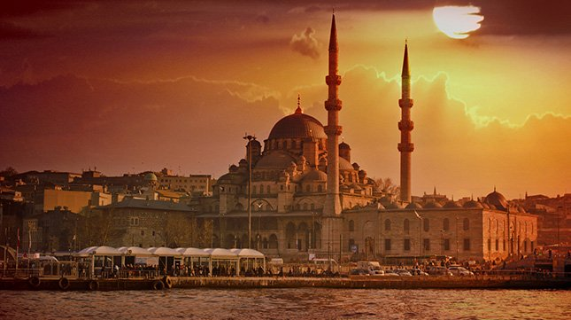 How to Travel in Istanbul – Tips & Information