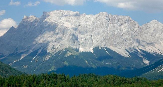 Walking in the Bavarian Alps: 85 Mountain Walks and Treks ...