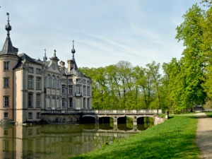 10 of Belgium's Fairytale-Like Chateaus and Palaces