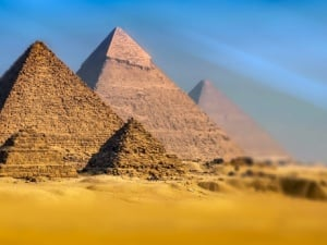 4 Reasons to Visit Egypt - The Mystical Land of Pharaohs & Pyramids