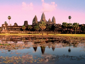 Traveling to Cambodia? Top 10 Things to Do and See