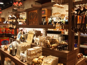 Top 5 Places in Colombo for Take-Home Souvenirs & Gift Items