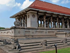 Top 8 Must-Visit Attractions in Colombo