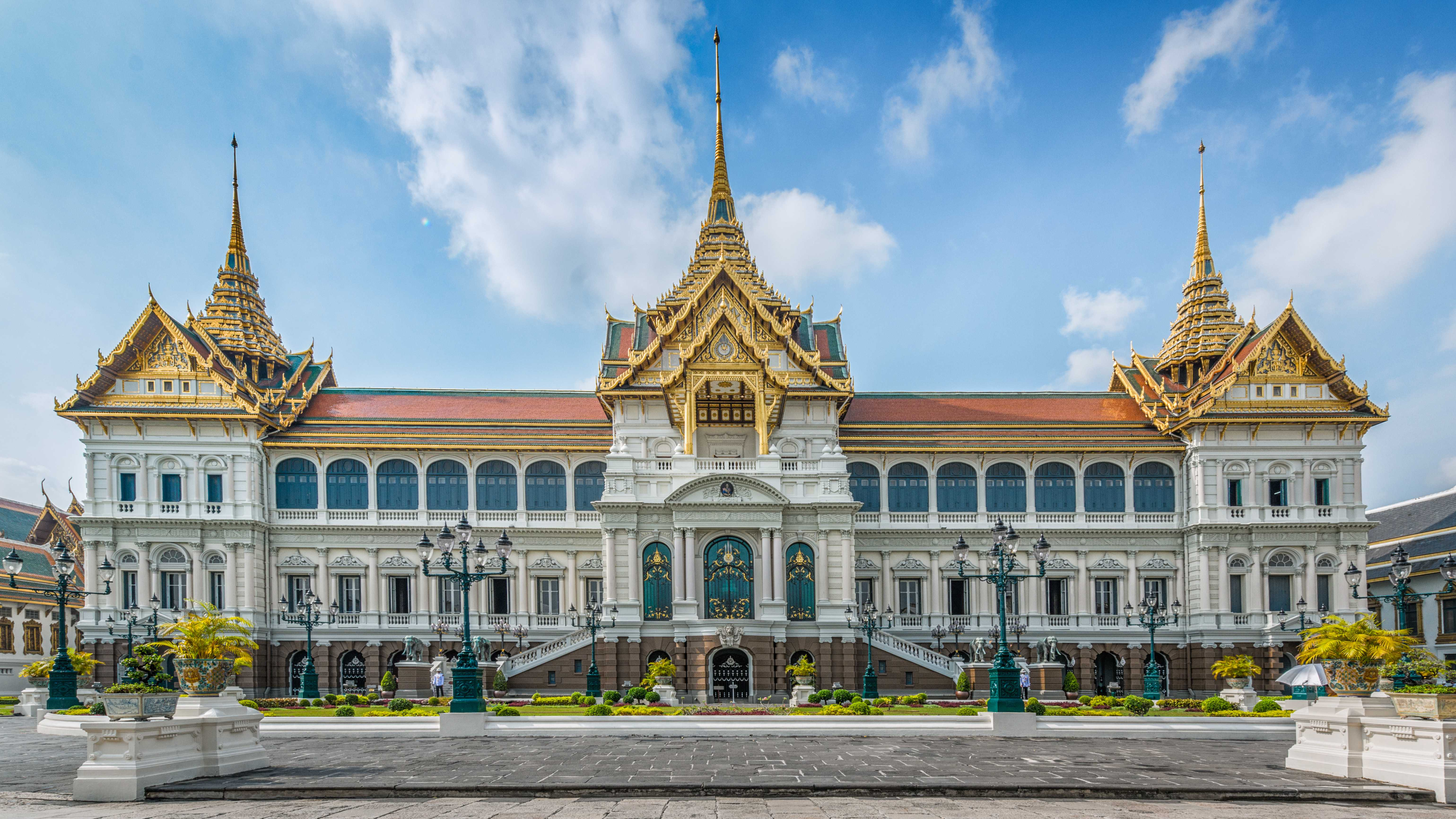 Buckingham Palace Facts Top 7 Sights For Every Muslim Traveler To Bankgkok