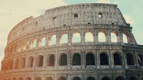 Müslüman Turistler İçin İtalya Rehberi: Roma, Venedik, Floransa ve Milano'da Bulunan Camiiler ve Helal Yemek Noktaları