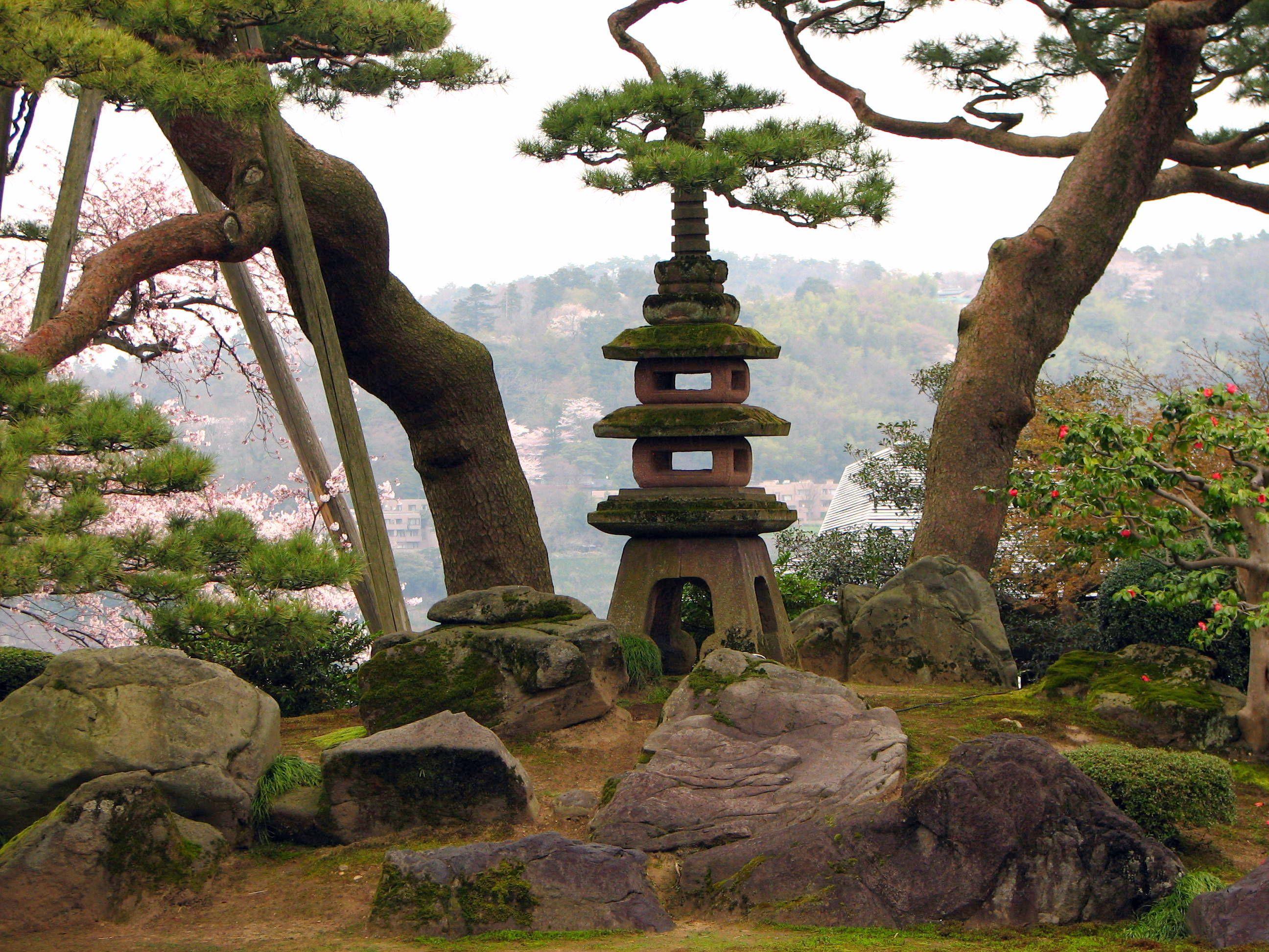 Japan\'s Top 6 Most Beautiful Gardens [Travel]