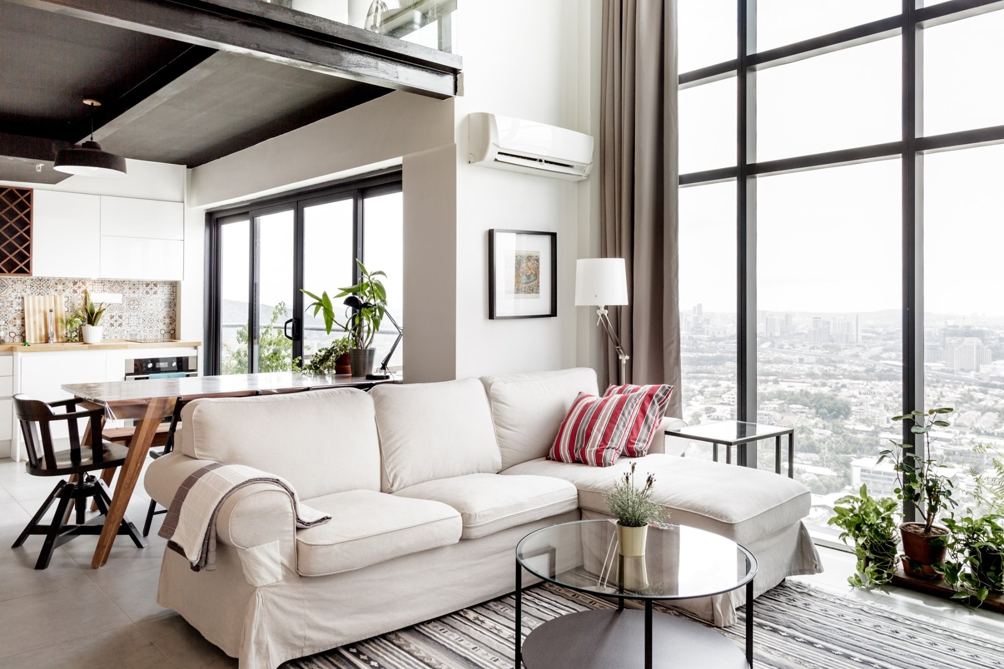 Airbnb Malaysia Petaling Jaya apartment loft with views of twin tower