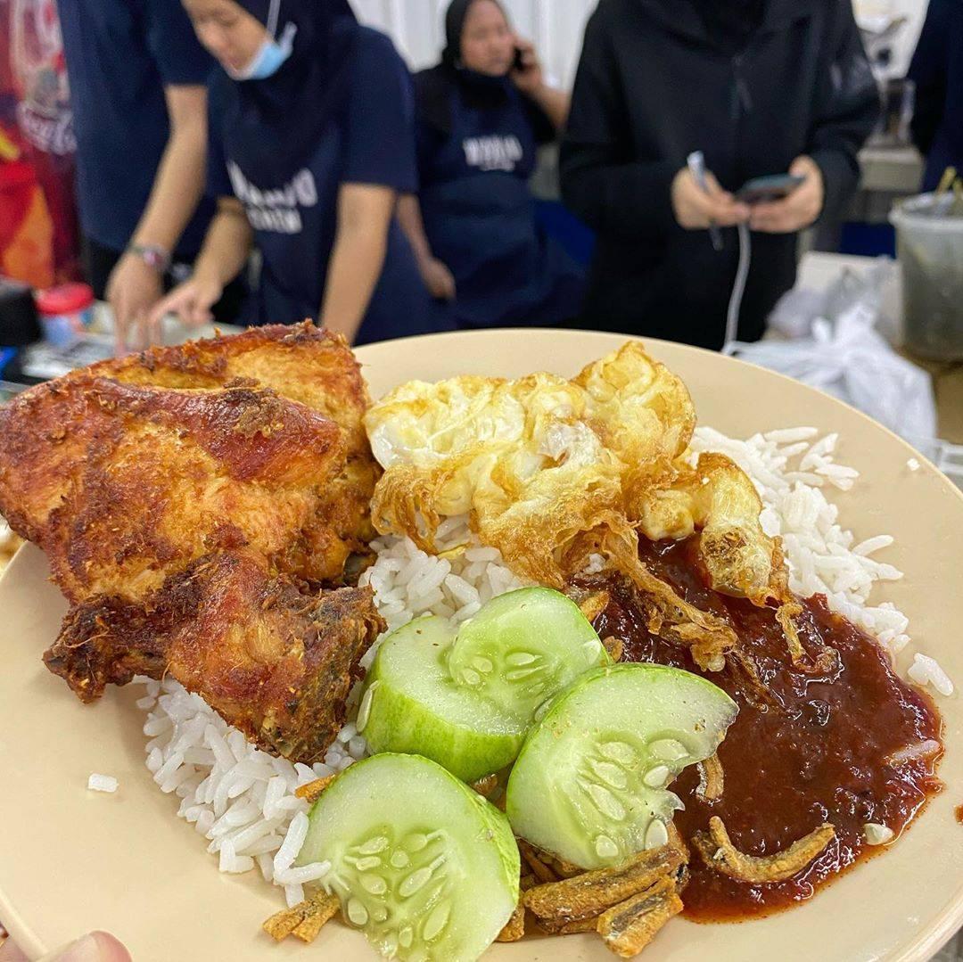 Popular Malaysia - Nasi Lemak Wanjo Kampung Baru