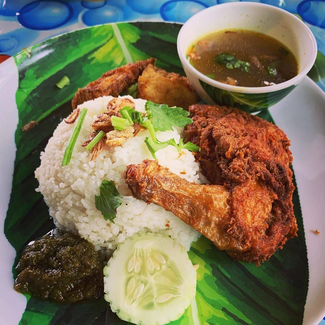 Putra Delicacies Halal food in Singapore