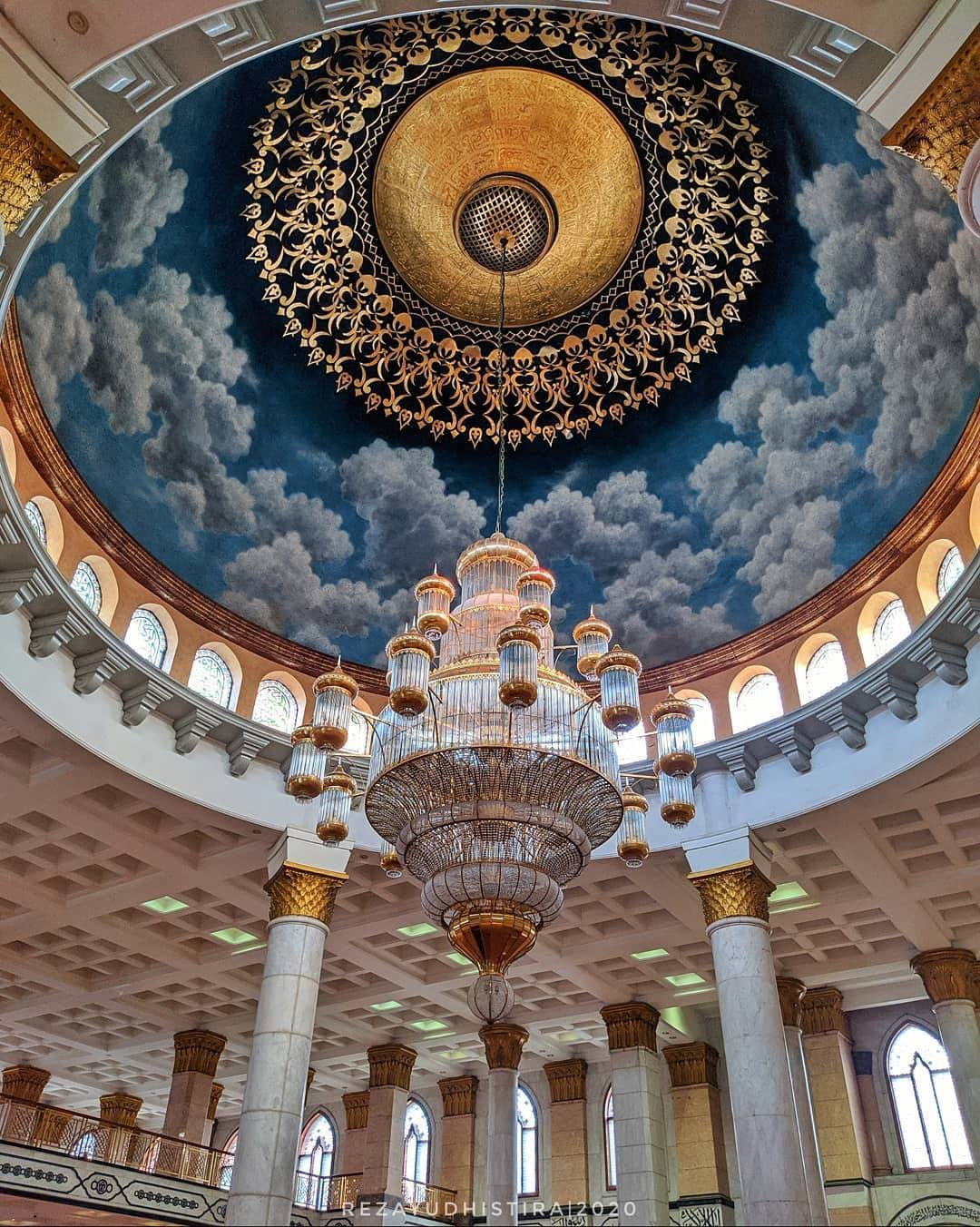 Masjid Dian Al Mahri Depok Indonesia