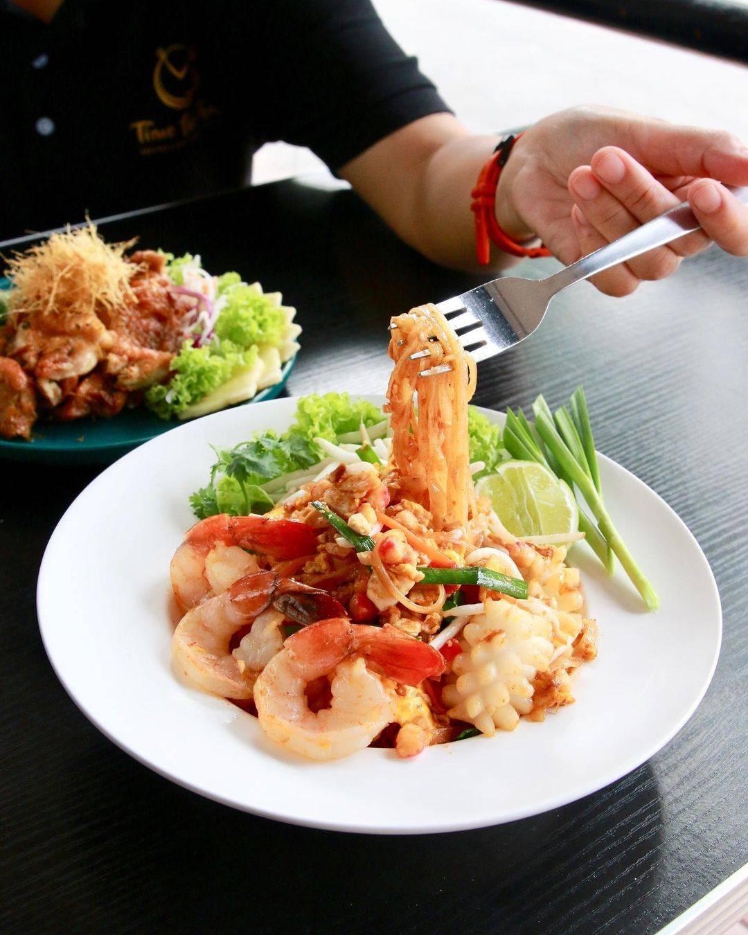Best Halal Thai Food Singapore - Phad Thai at Time for Thai