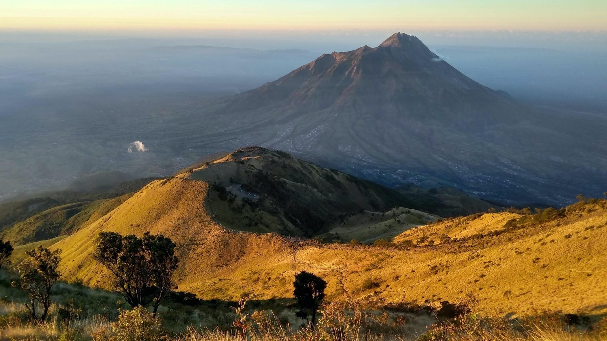 Gunung Merbabu Indonesia