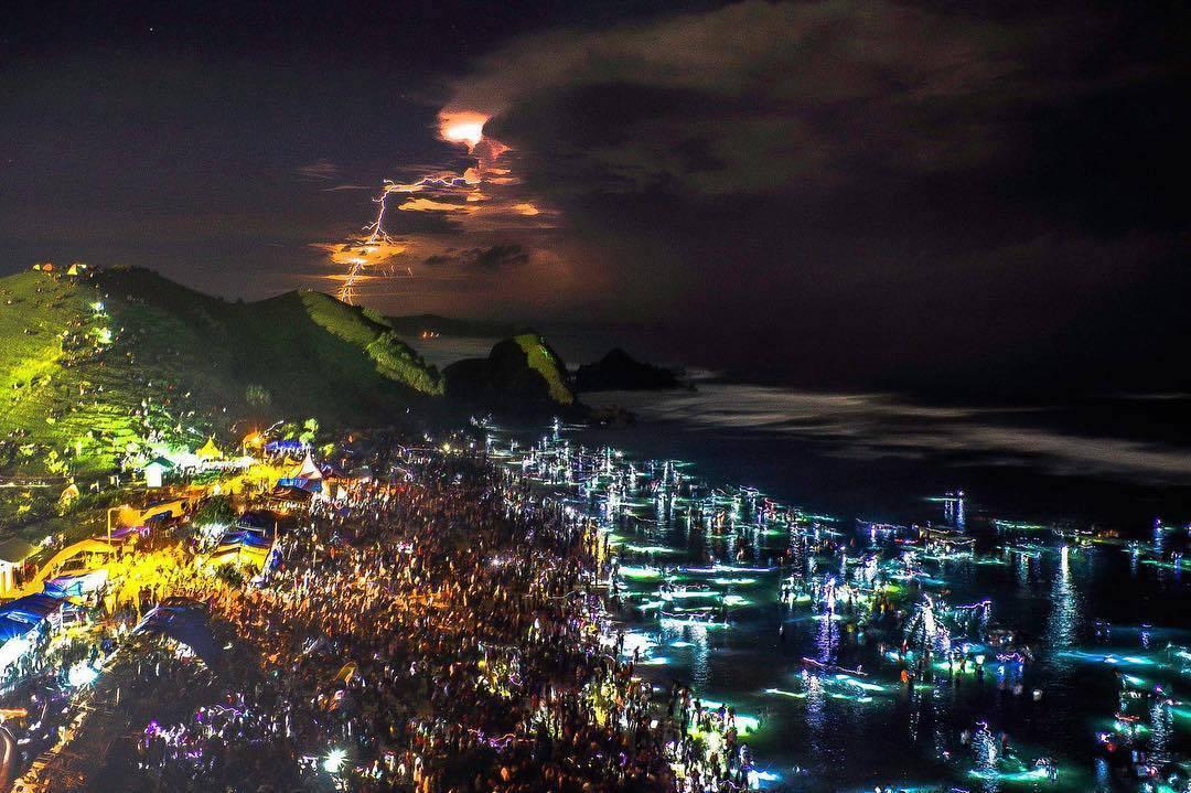 Festival Bau Nyale Lombok Indonesia