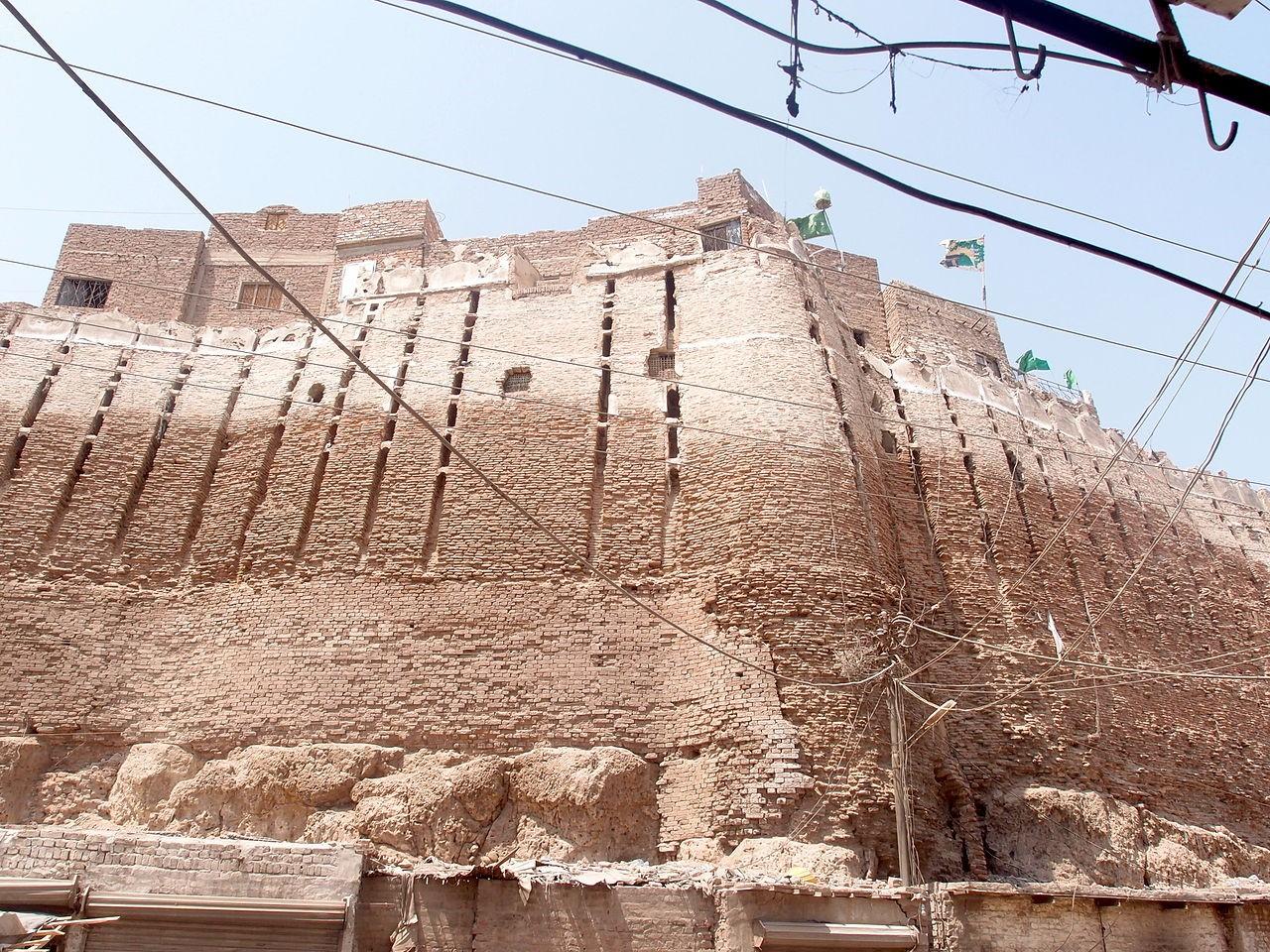 Pacco Qillo Pakka QIlla Hyderabad Pakistan