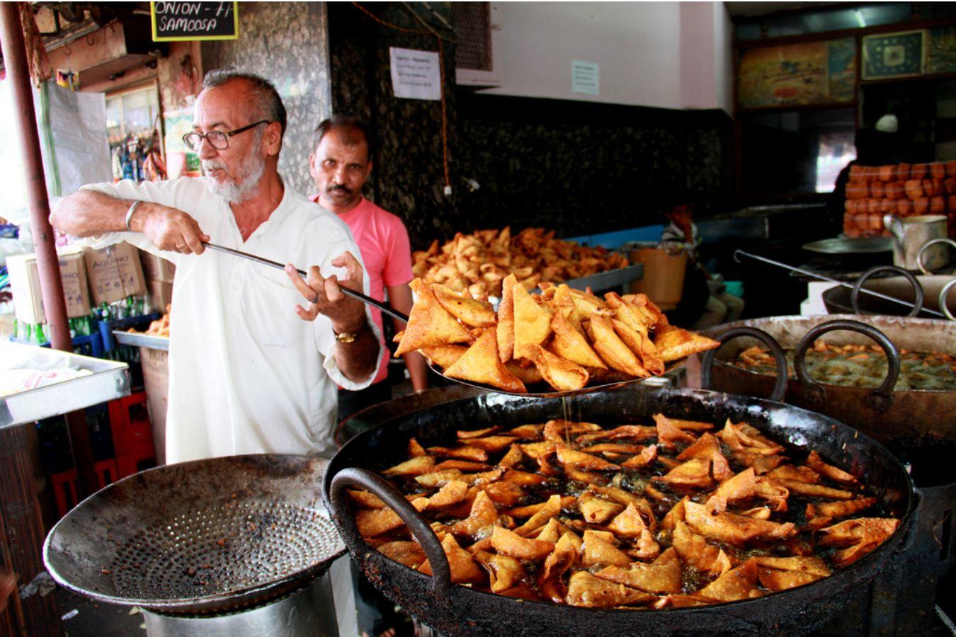 Chacha Samosa Food Faisalabad Pakistan