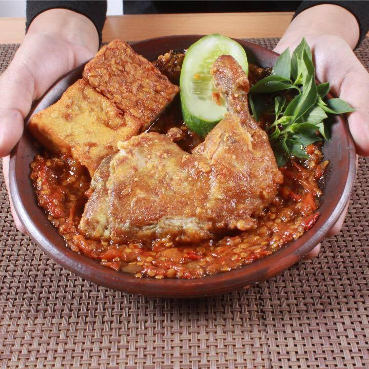 Dapur Penyet, Centerpoint, Halal food near Orchard Road