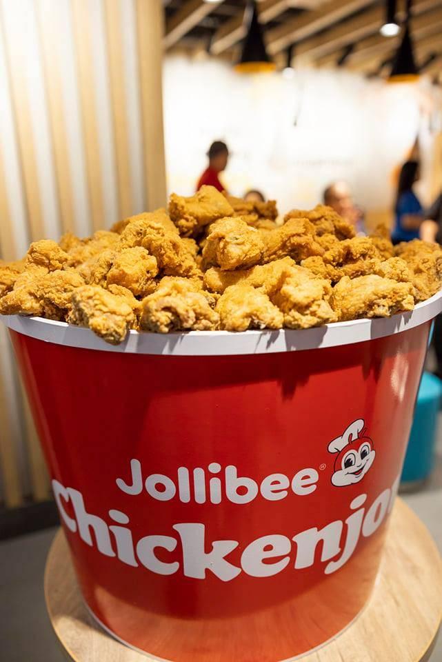 Jollibee Lucky Plaza, Halal food near Orchard Road