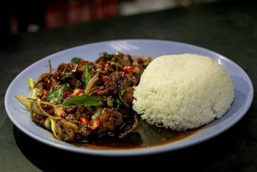 Puncak Best Noodles Halal food near orchard road, halal food at far east plaza