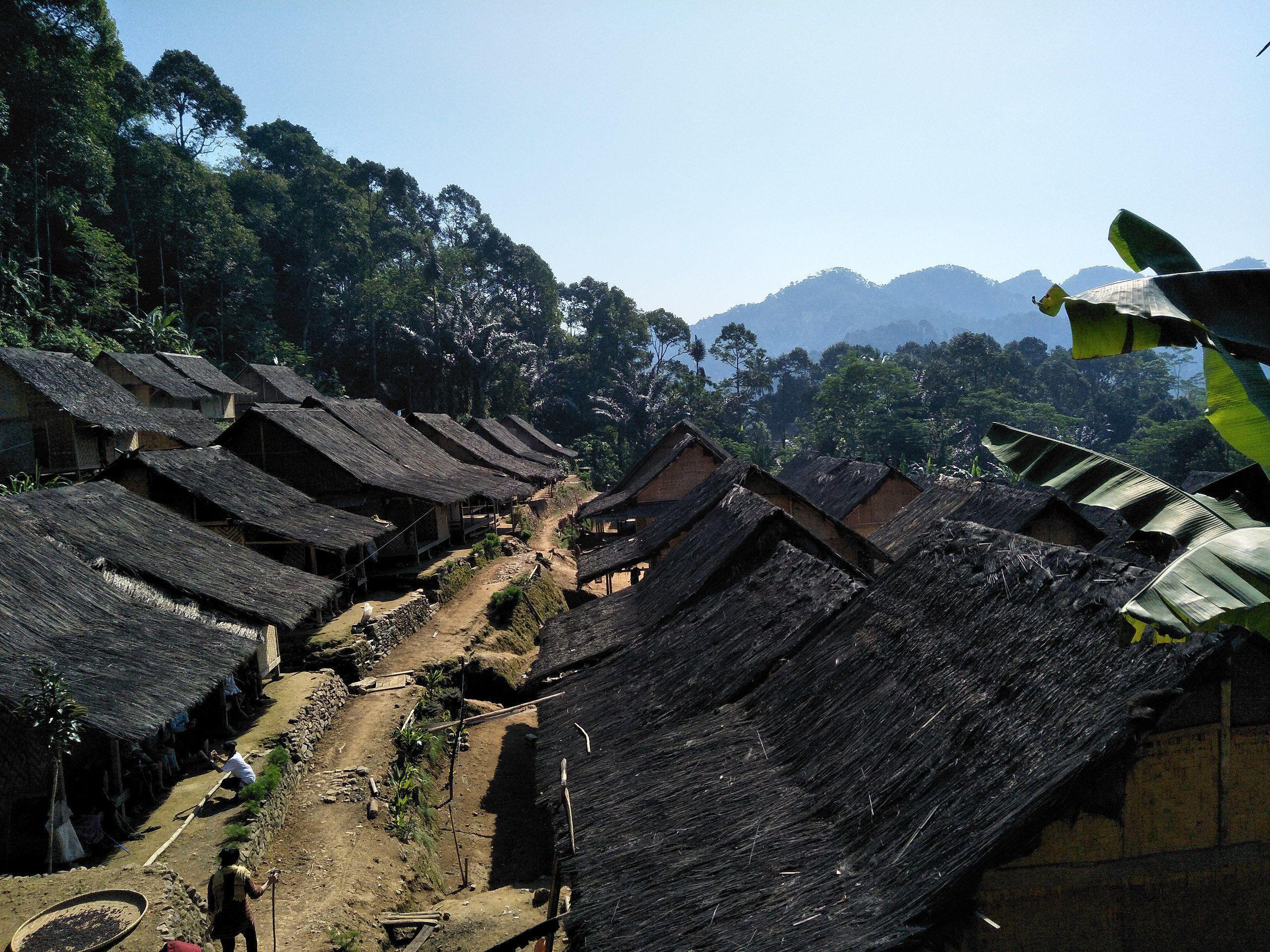 Rumah Sulah Nyanda Rumah Adat Indonesia