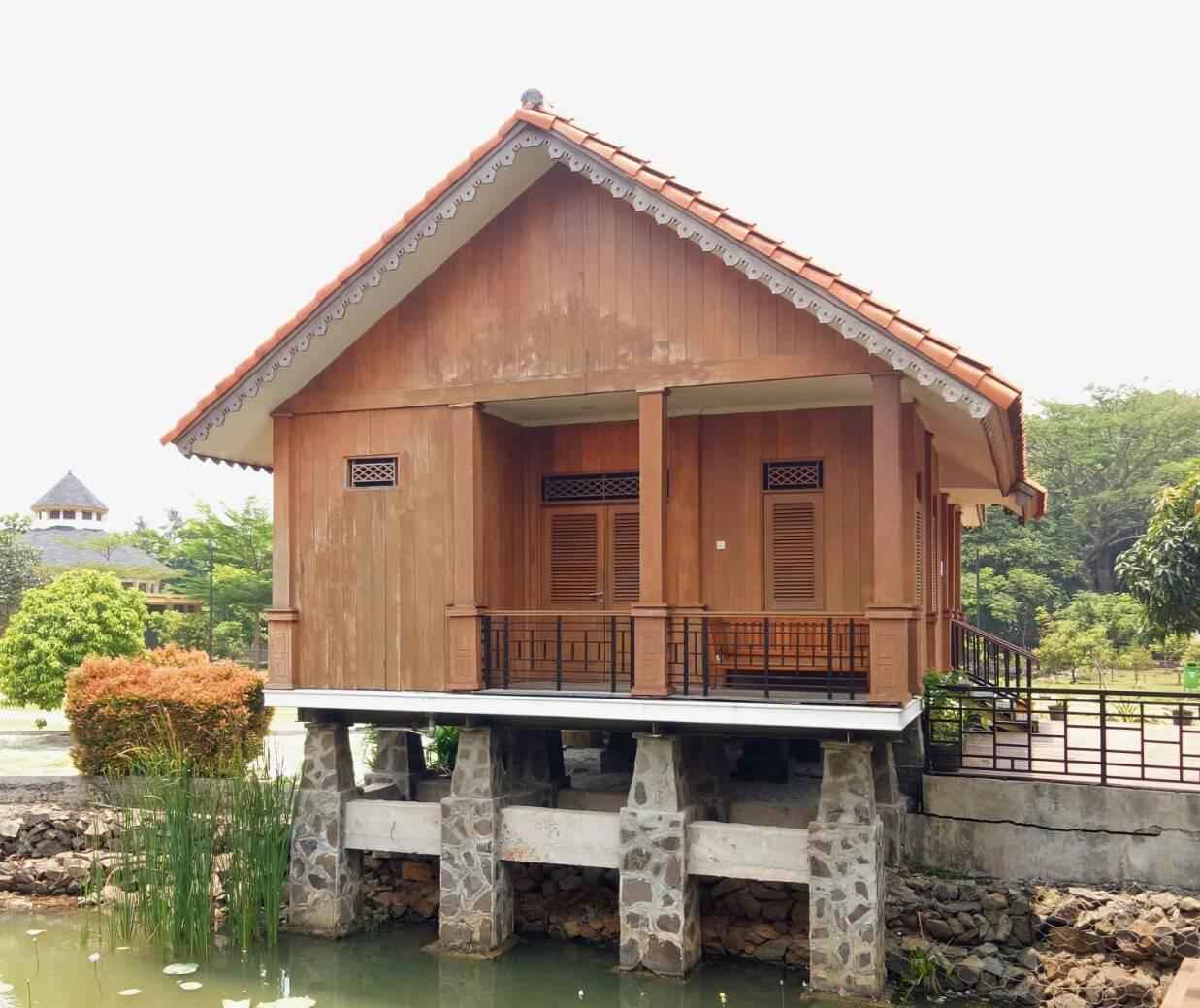 Rumah Kebaya Rumah Adat Indonesia