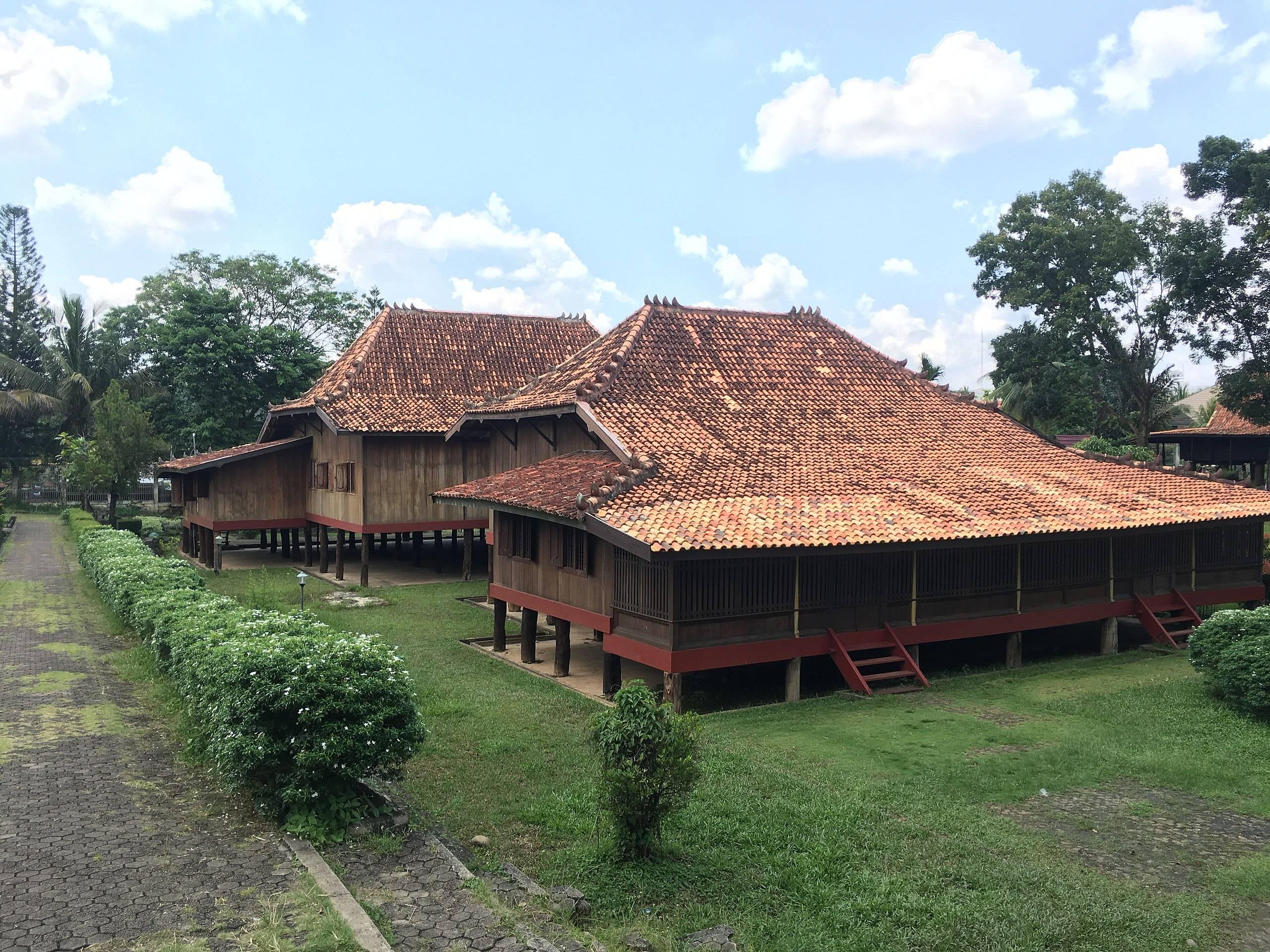 Rumah Limas Rumah Adat Indonesia