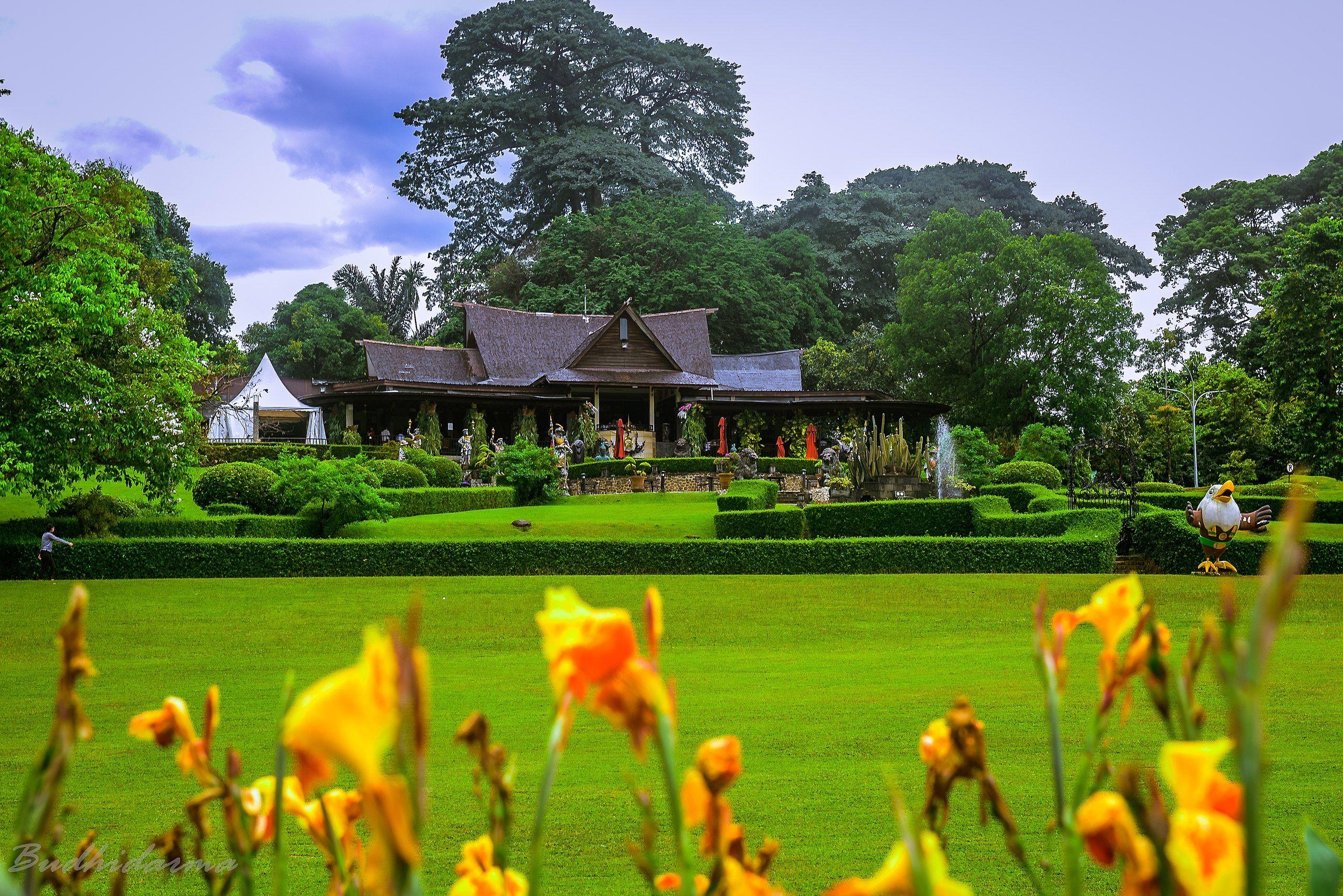 Kebun Raya Bogor Indonesia
