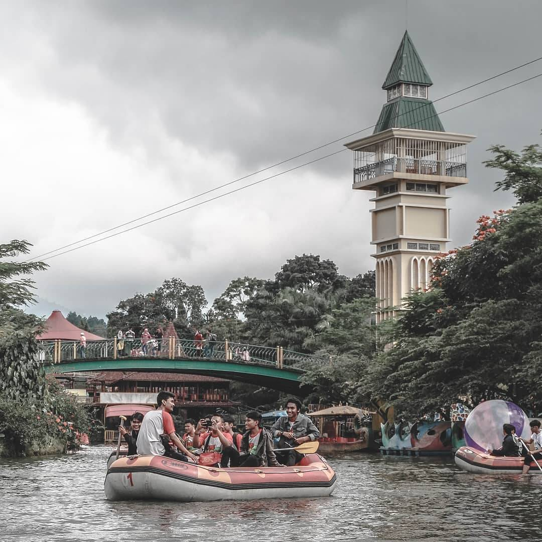 Taman Wisata Matahari Bogor Indonesia