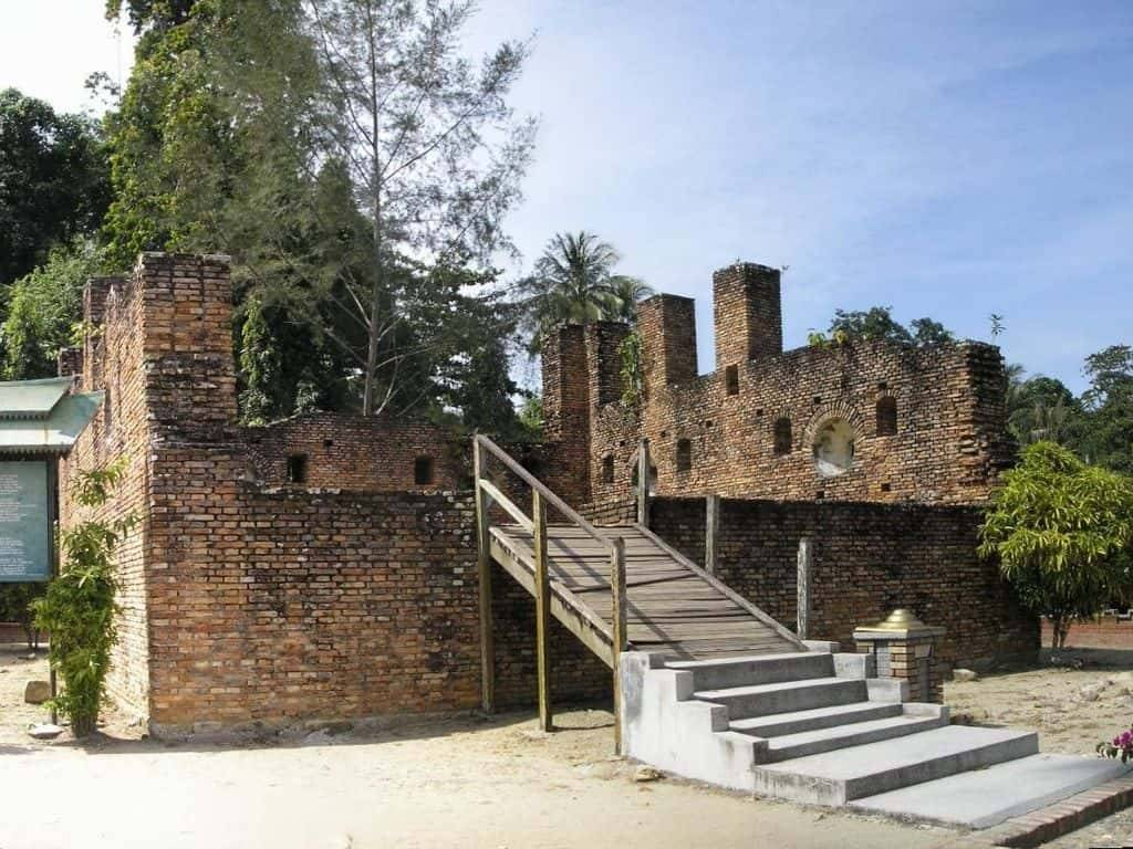 Pulau Pankor Island Dutch Fort Malaysia