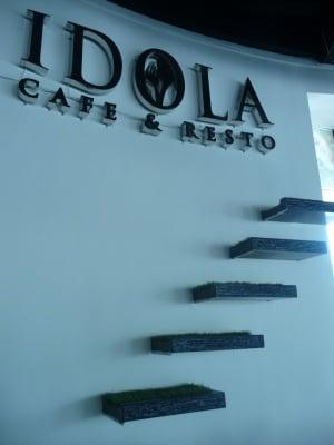 Idola cafe and resto