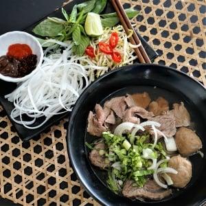 Pham Quyen Vietnamese Street Food
