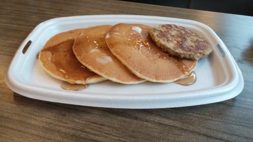 Pancakes w/sausage