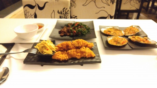 chilli stir fried mussels...beef stir fry..crispy mango chicken