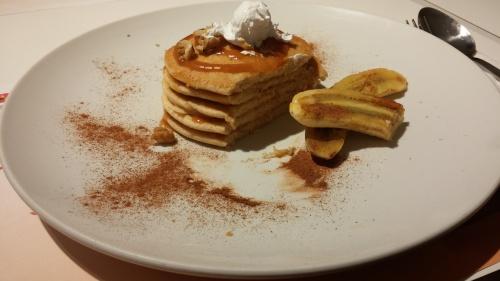 Cinnamon Pancake w/Banana