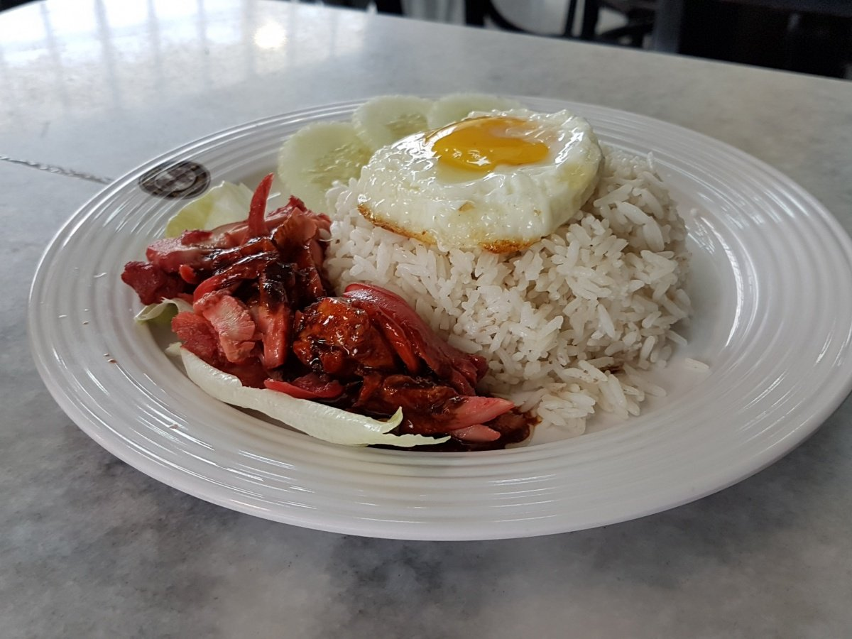 Rice with Chicken Rendang