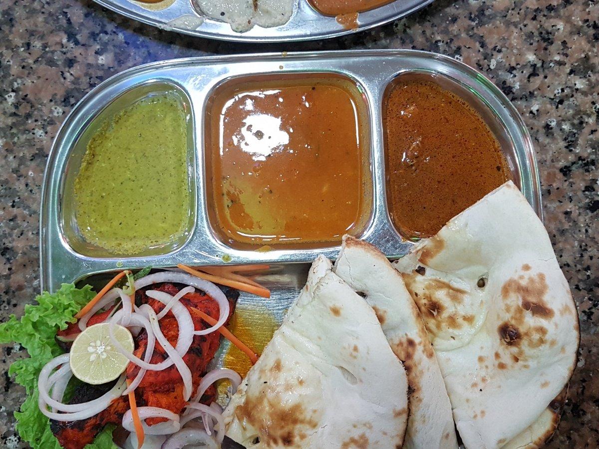 Naan with Tandoori chicken