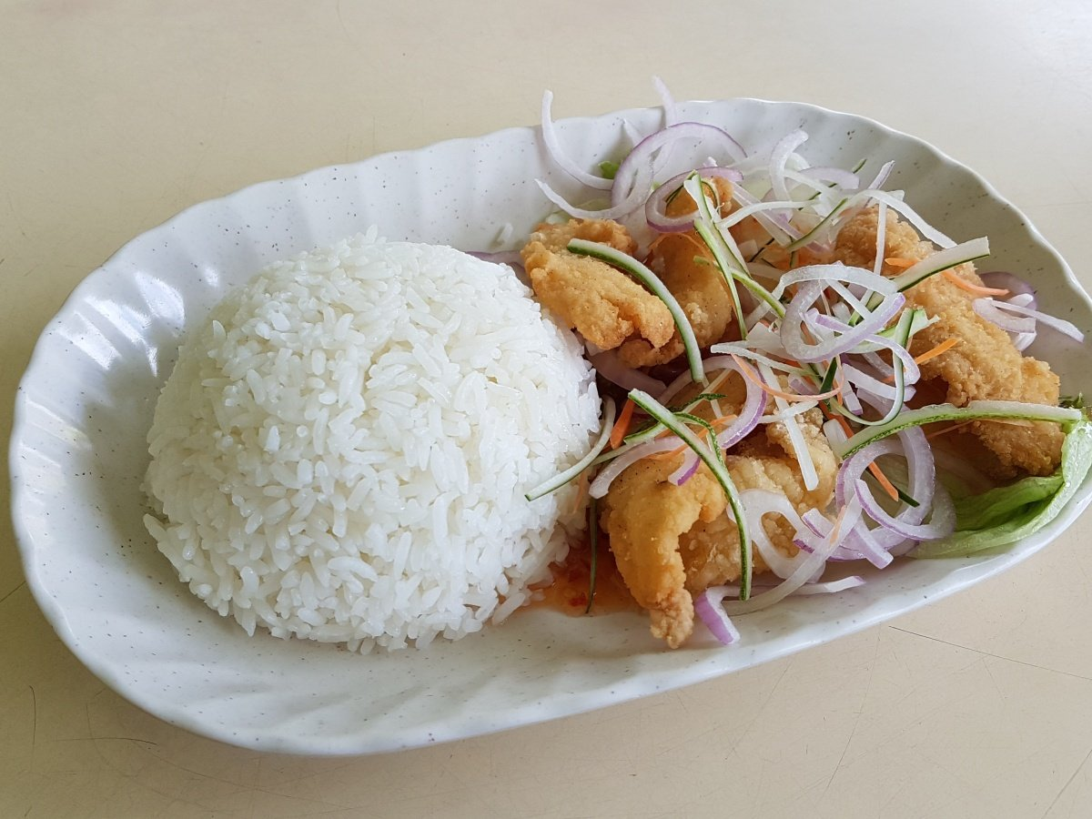 Thai Style Sliced Fish Rice