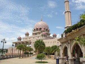 Masjid Putrajaya, Pesiaran Perdana